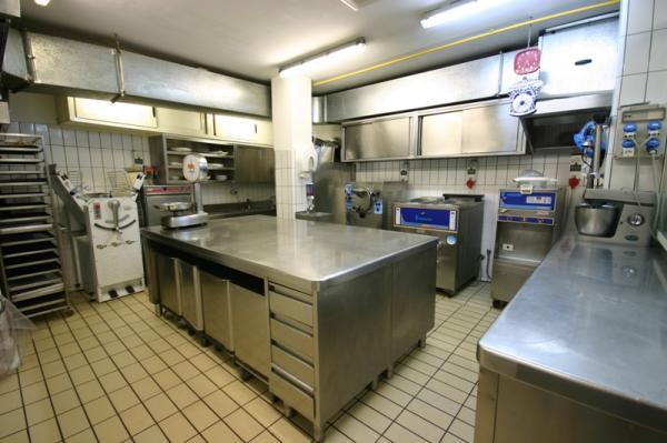 Cucine Moderne Con Isola Usate: Zottoz letto matrimoniale a scomparsa usato.